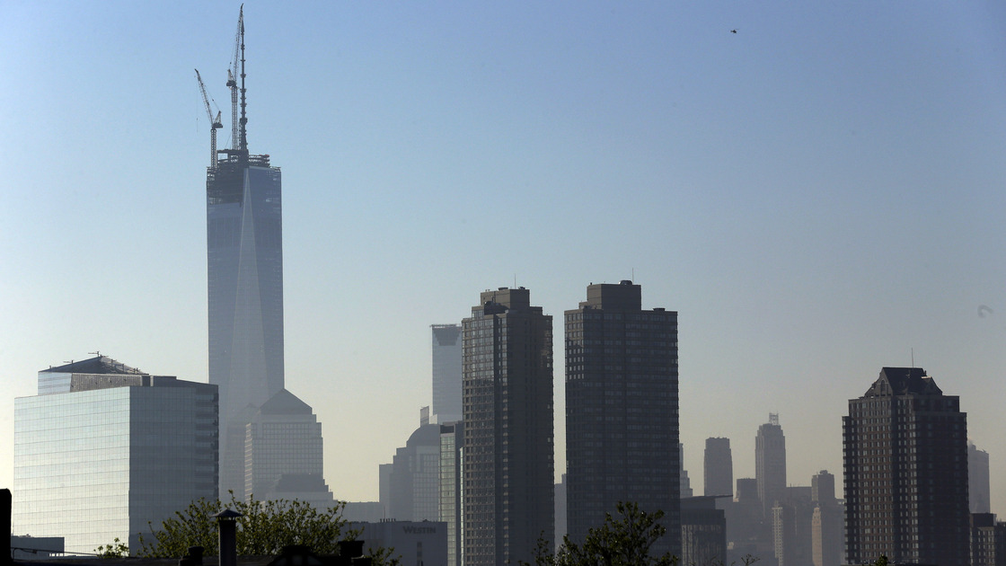 One World Trade Center reaches its Peak