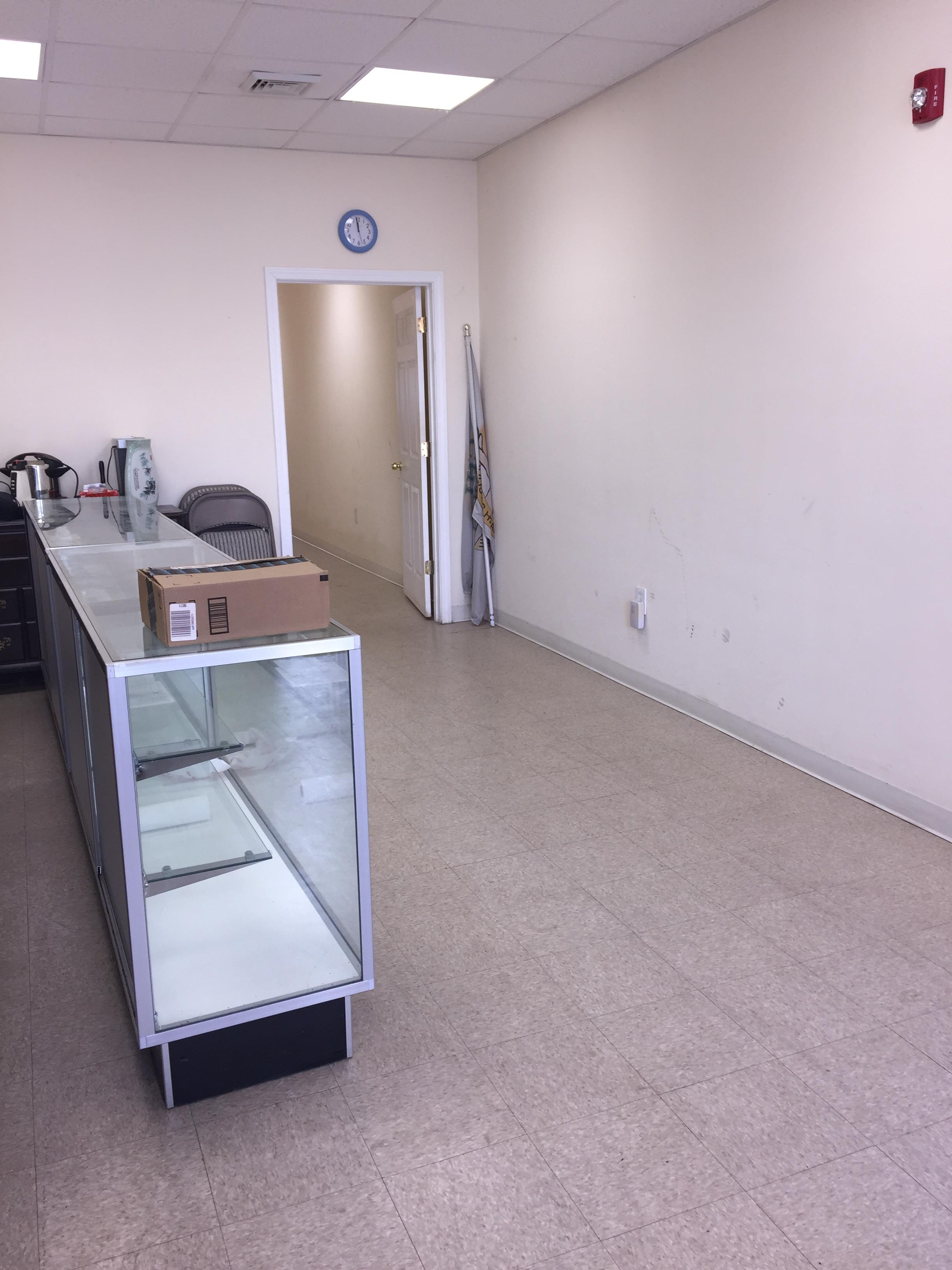 2,800 SF Retail Building For Sale in Somerville