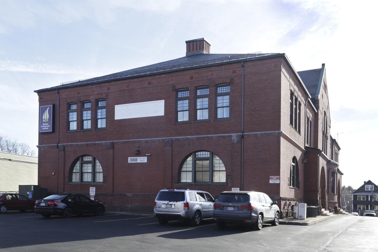 Medical/Office Space For Lease in Malden Center