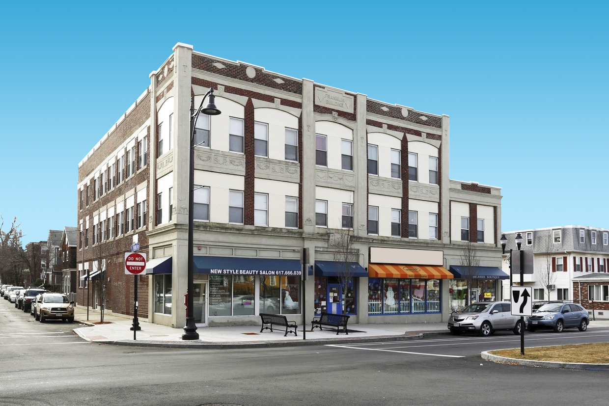 1,500 SF Street Retail Space On Broadway in Somerville