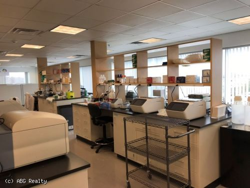 Lab Space for Sublease 4,600 SF